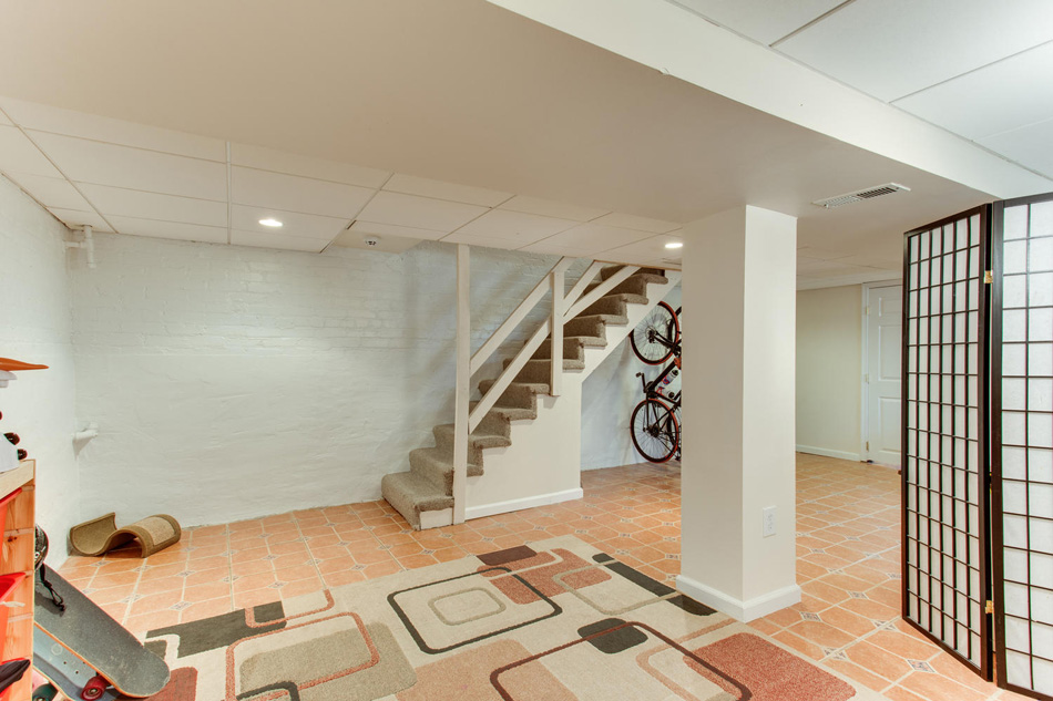 916 Decatur St NW Washington-large-048-56-Recreation Room-1500x1000-72dpi