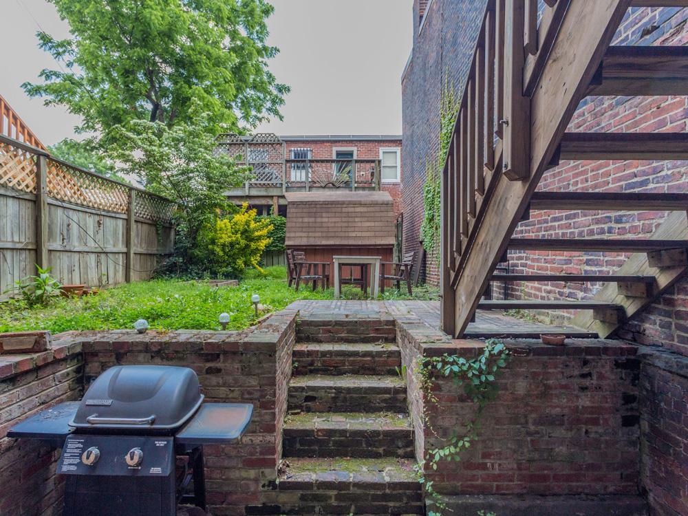 1329 10th St NW Washington DC-MLS_Size-015-11-Back Yard-2048x1536-72dpi