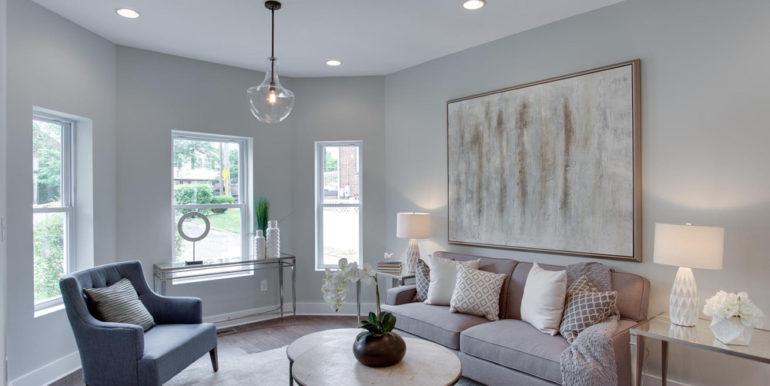 1356 Girard St NE Washington-large-003-53-Living Room-1500x1000-72dpi