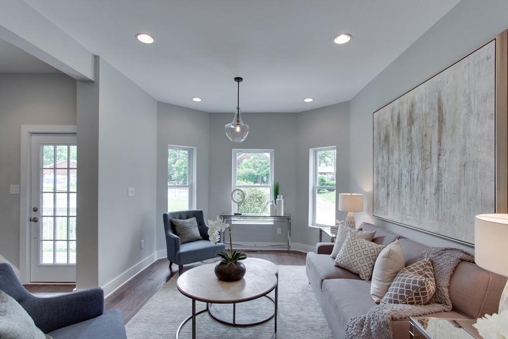 1356 Girard St NE Washington-large-006-40-Living Room-1500x1000-72dpi