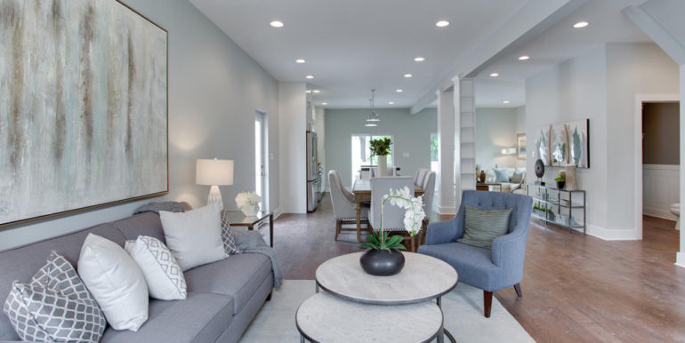1356 Girard St NE Washington-large-008-54-Living Room-1500x1000-72dpi
