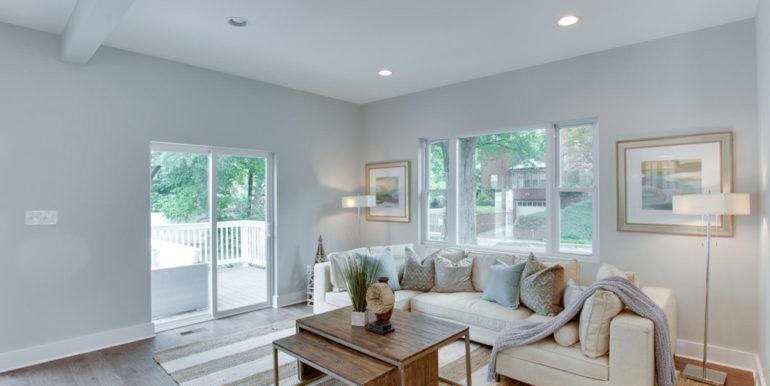 1356 Girard St NE Washington-large-026-64-Family Room-1500x1000-72dpi
