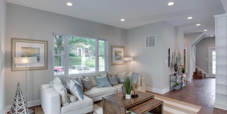 1356 Girard St NE Washington-large-029-70-Family Room-1500x1000-72dpi