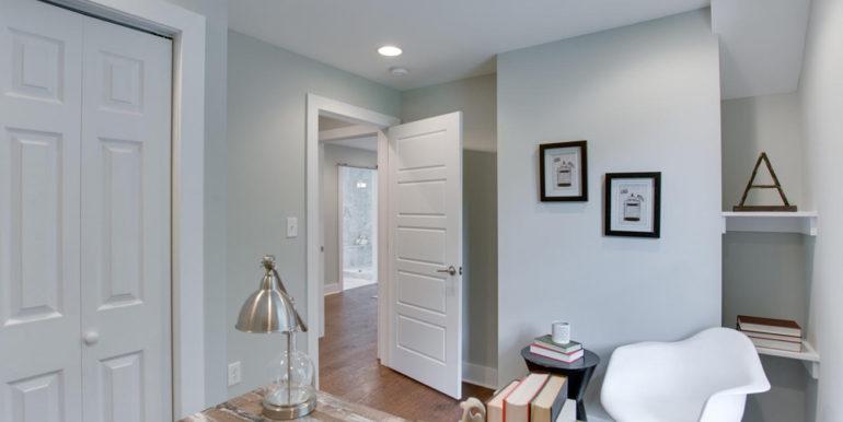1356 Girard St NE Washington-large-044-17-BedroomOffice-1500x1000-72dpi