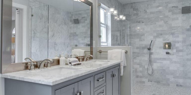 1356 Girard St NE Washington-large-051-6-Master Bath-667x1000-72dpi