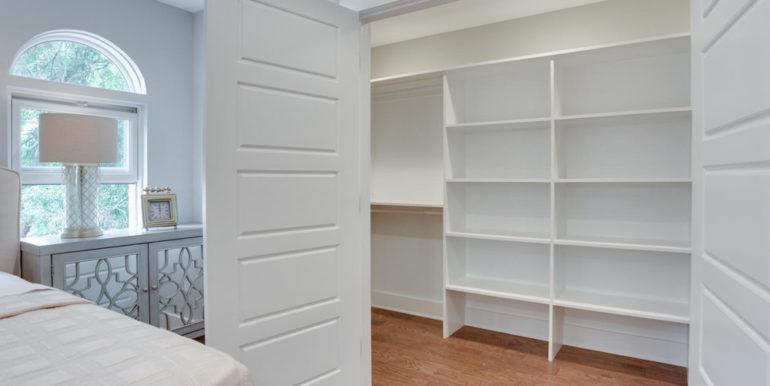 1356 Girard St NE Washington-large-052-5-Master Closet-1500x1000-72dpi