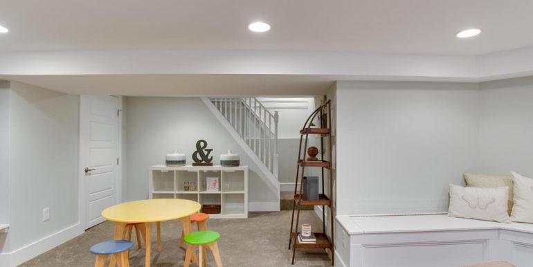 1356 Girard St NE Washington-large-062-13-Recreation Room-1500x1000-72dpi