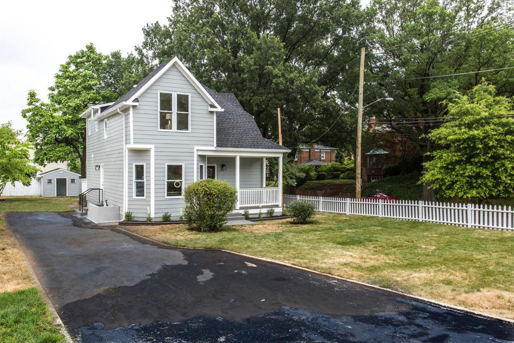 1356 Girard St NE Washington-large-084-83-Exterior  Front-1500x1000-72dpi