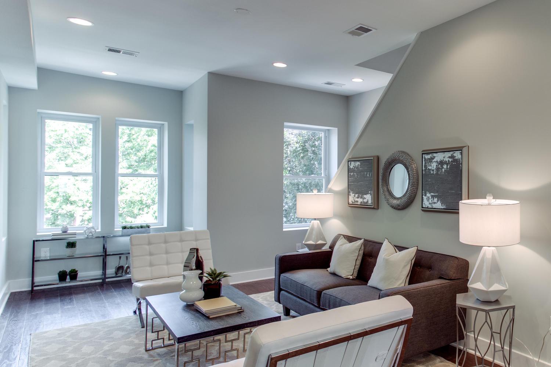 16 R St NW Unit 1 Washington-large-010-1-Living Room-1500x1000-72dpi