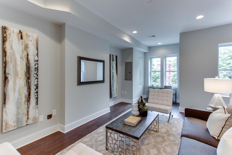 16 R St NW Unit 1 Washington-large-011-8-Living Room-1500x1000-72dpi