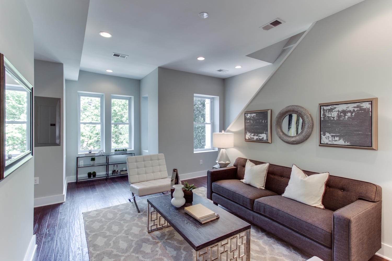 16 R St NW Unit 1 Washington-large-013-7-Living Room-1500x1000-72dpi