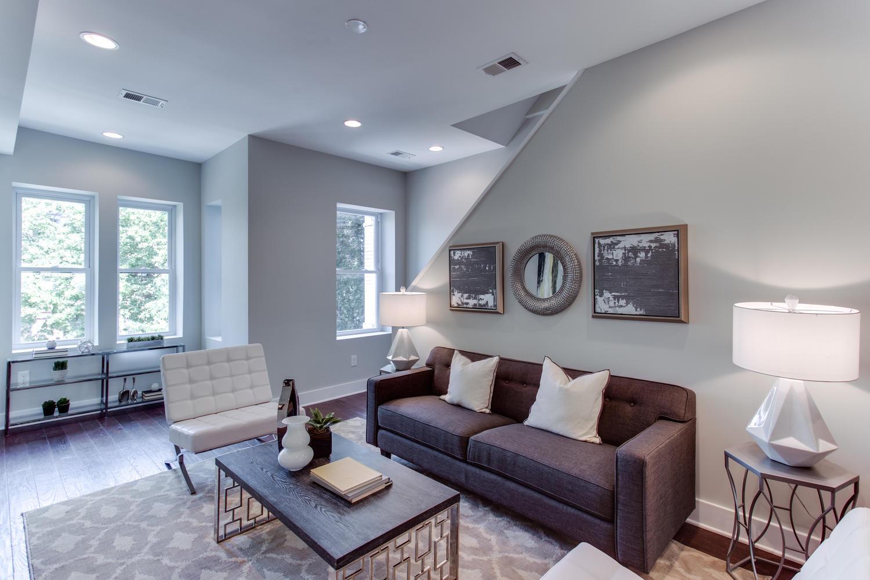 16 R St NW Unit 1 Washington-large-014-6-Living Room-1500x1000-72dpi