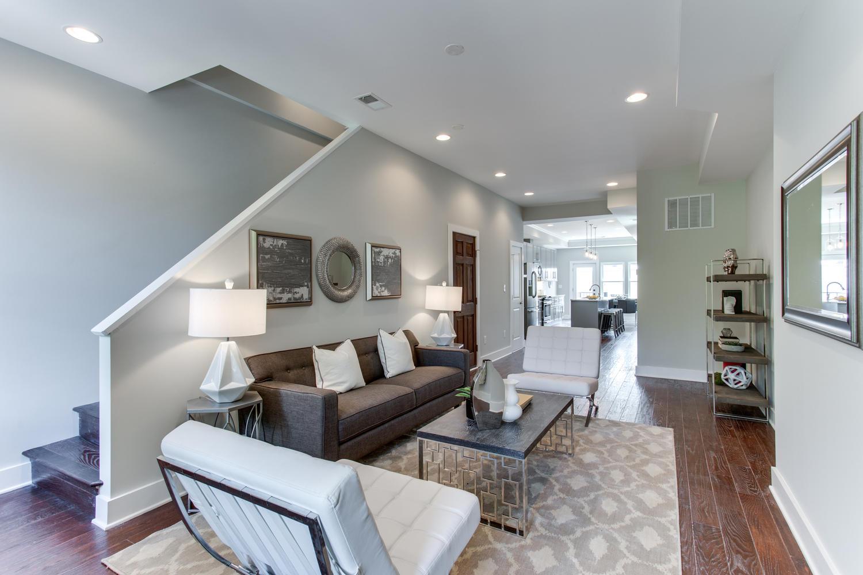 16 R St NW Unit 1 Washington-large-015-29-Living Room-1500x1000-72dpi