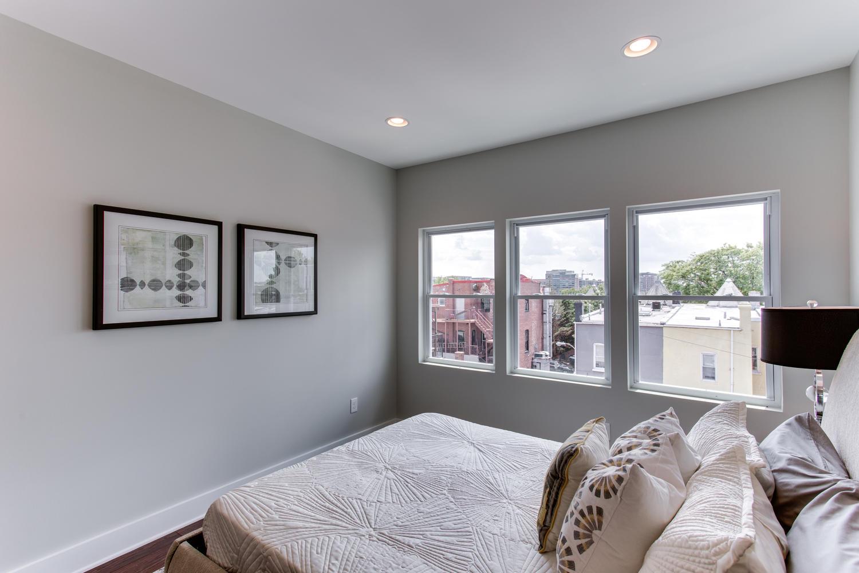 16 R St NW Unit 1 Washington-large-041-28-Master Bedroom-1500x1000-72dpi