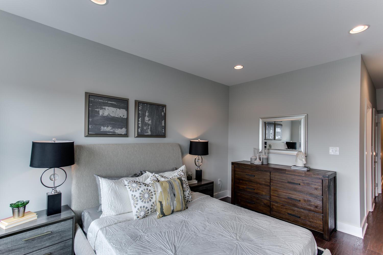 16 R St NW Unit 1 Washington-large-042-25-Master Bedroom-1500x1000-72dpi