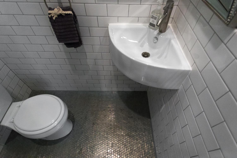 16 R St NW Unit 1 Washington-large-050-58-Bathroom-1500x1000-72dpi