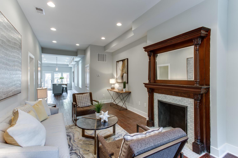 16 R St NW Unit 2 Washington-large-008-33-Living Room-1500x1000-72dpi
