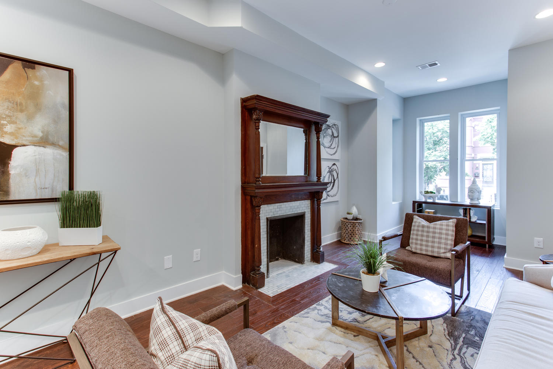 16 R St NW Unit 2 Washington-large-013-25-Living Room-1500x1000-72dpi