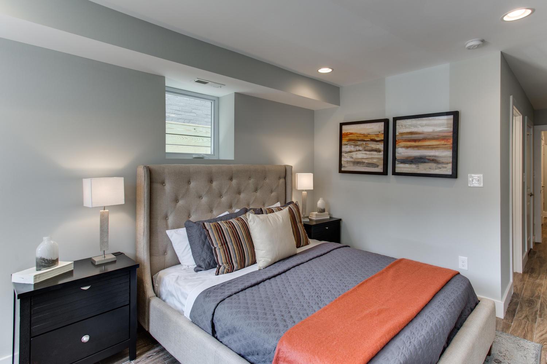 16 R St NW Unit 2 Washington-large-032-37-Master Bedroom-1500x1000-72dpi