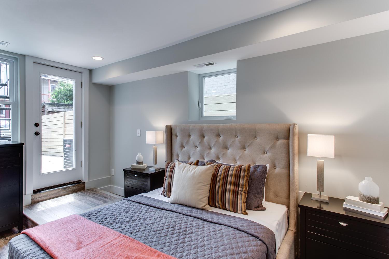 16 R St NW Unit 2 Washington-large-033-17-Master Bedroom-1500x1000-72dpi