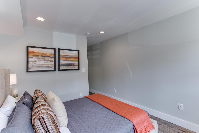 16 R St NW Unit 2 Washington-large-034-3-Master Bedroom-1500x1000-72dpi