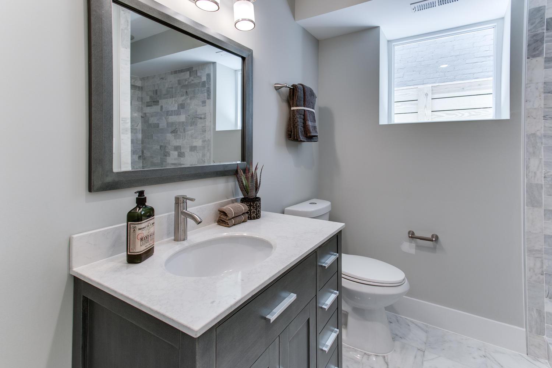 16 R St NW Unit 2 Washington-large-036-4-Master Bath-1500x1000-72dpi