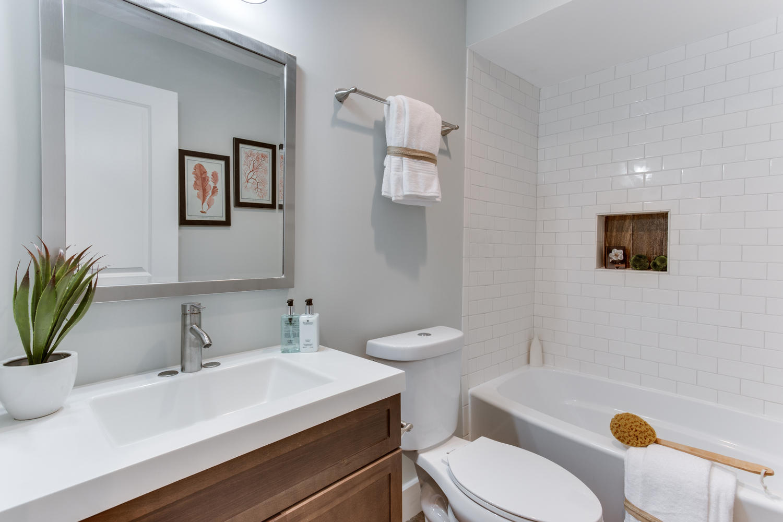 16 R St NW Unit 2 Washington-large-040-14-Bathroom-1500x1000-72dpi