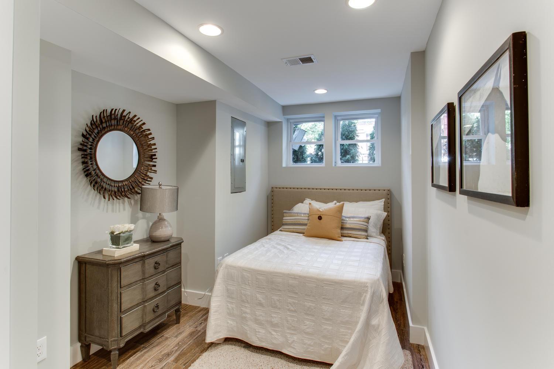 16 R St NW Unit 2 Washington-large-042-52-Bedroom-1500x1000-72dpi