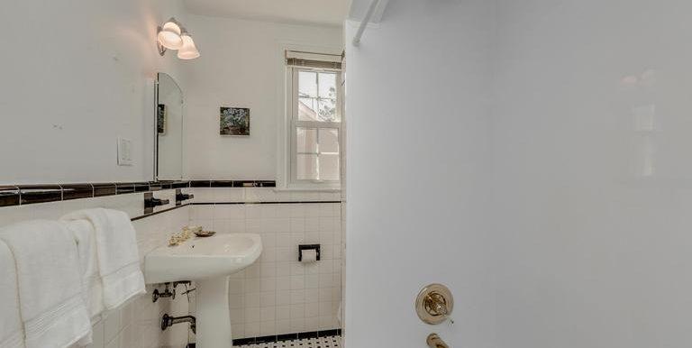 MC9599992 - Bath