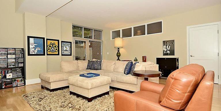 DC8571806 - Living Room