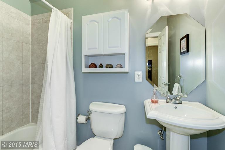 DC8744954 - Guest Bath