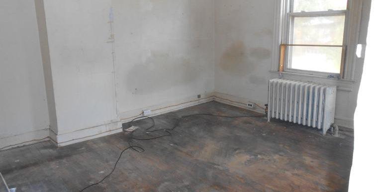 DC9500776 - Bedroom