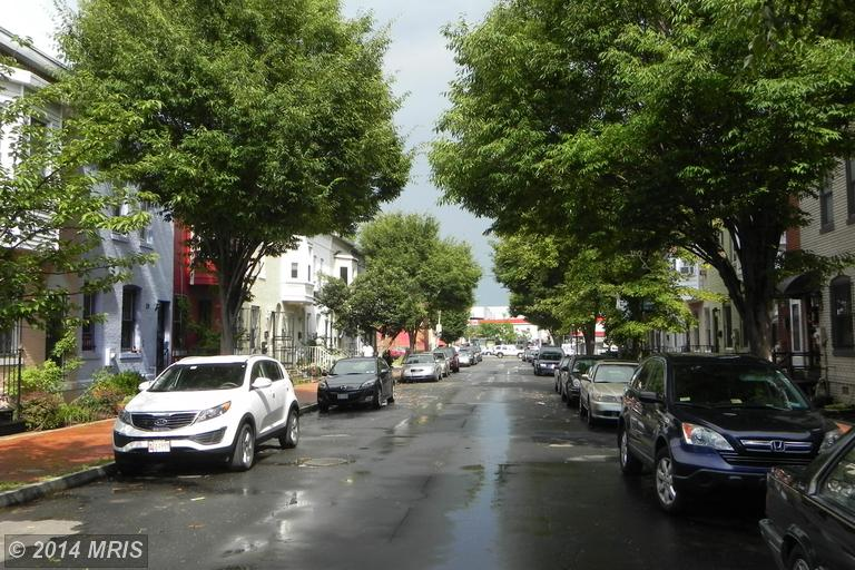 DC8405603 - Street View
