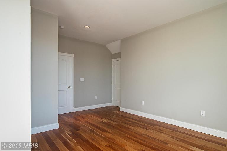 DC9510196 - Master Bedroom