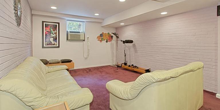 DC9661223 - Recreation Room