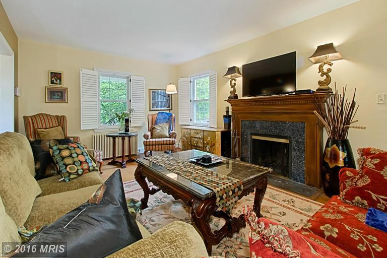 DC9661223 - Living Room