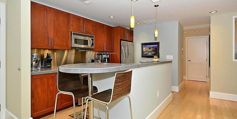 DC8571806 - Kitchen