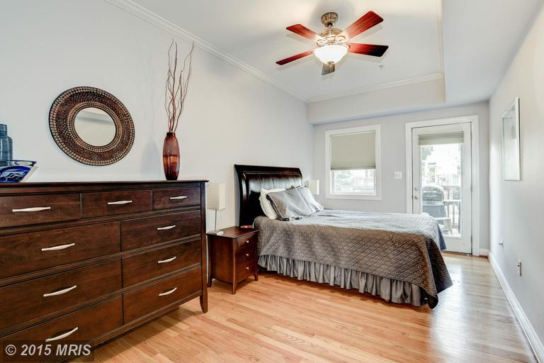 DC8744954 - Large Master Bedroom with Access to Rear Deck