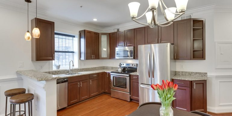 161 Randolph Pl NW Unit 2-large-013-4-Kitchen-1500x1000-72dpi
