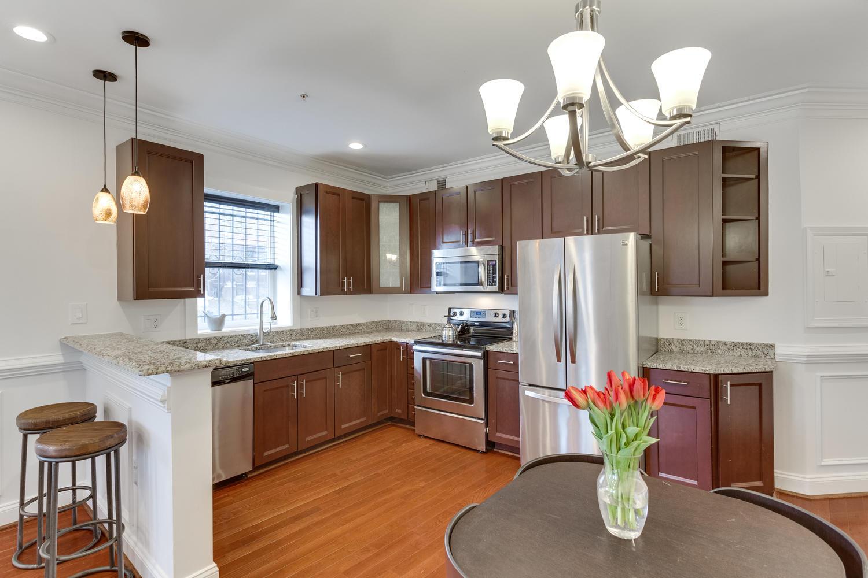 161 Randolph Pl NW Unit 2-large-013-4-Kitchen-1500x1000-72dpi