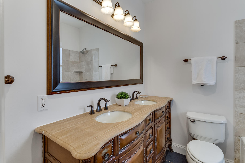161 Randolph Pl NW Unit 2-large-035-27-Bathroom-1500x1000-72dpi