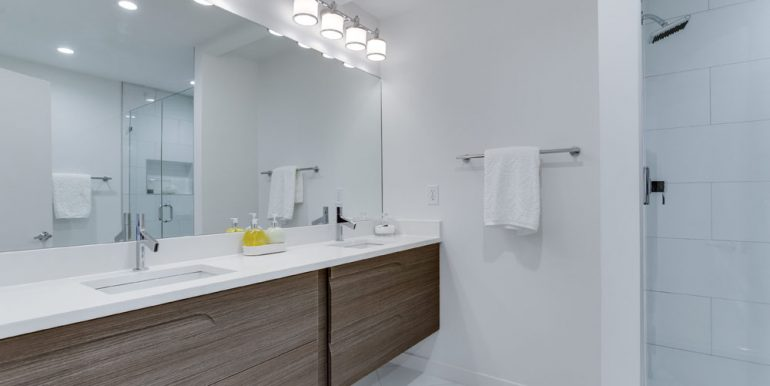 The Penthouse Offered at $767,000 59 Randolph Place, NW(12)