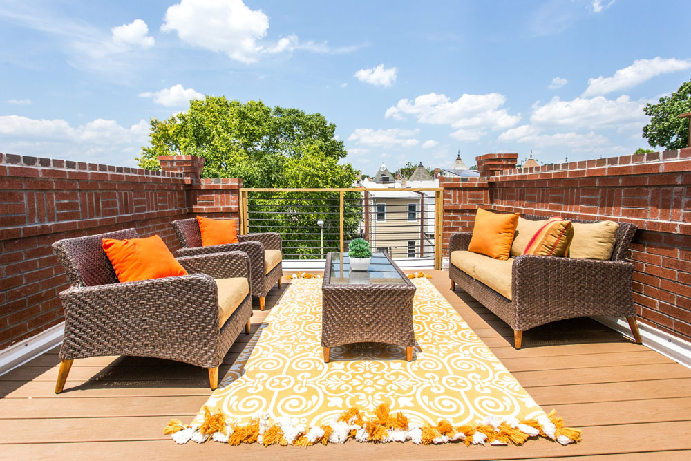 The Penthouse Offered at $767,000 59 Randolph Place, NW(15)