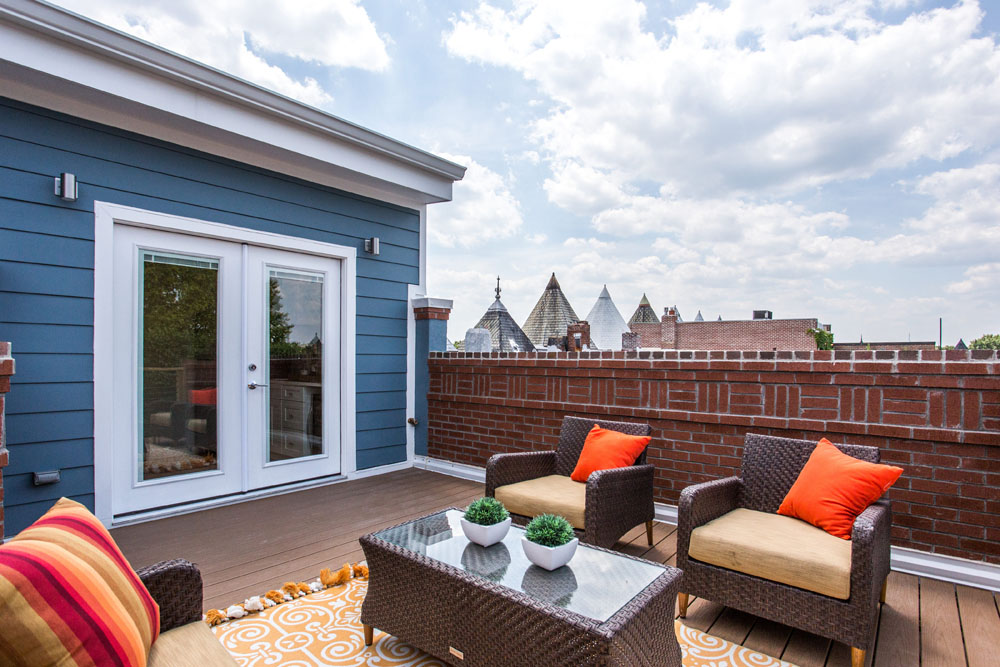 The Penthouse Offered at $767,000 59 Randolph Place, NW(18)