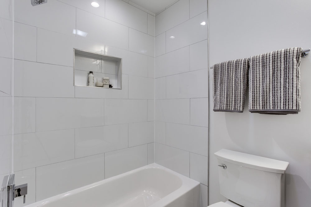 The Penthouse Offered at $767,000 59 Randolph Place, NW(21)