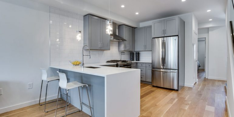 The Penthouse Offered at $767,000 59 Randolph Place, NW(7)