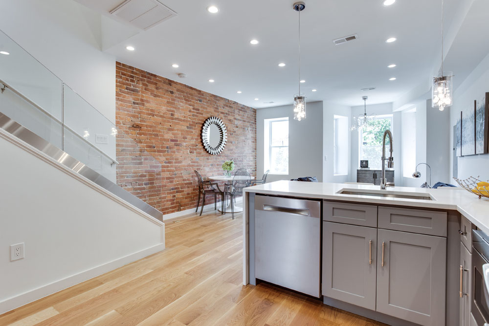 The Penthouse Offered at $767,000 59 Randolph Place, NW(8)