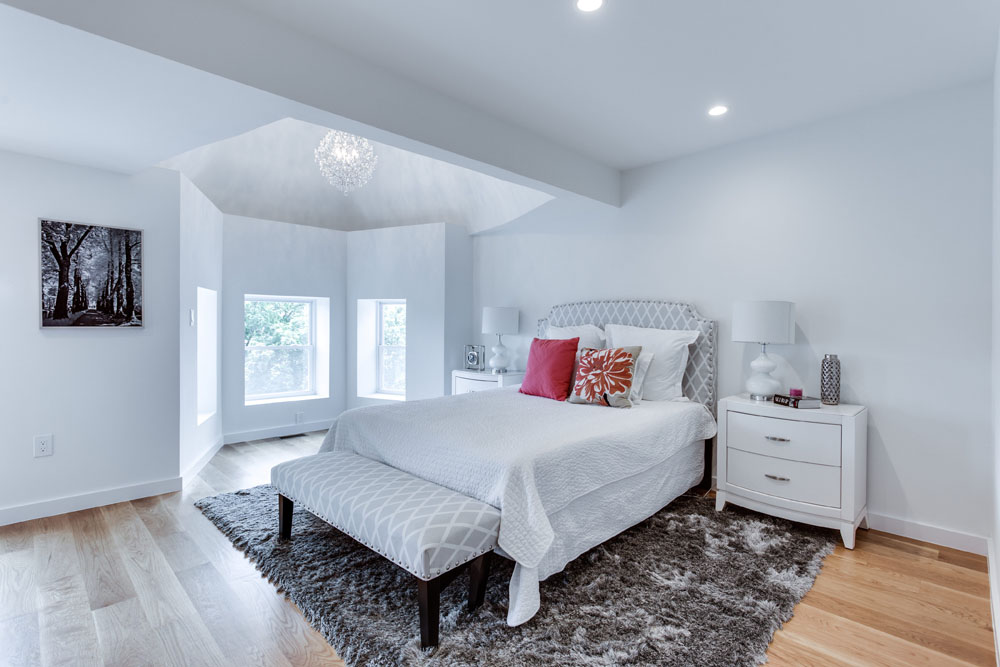 The Penthouse Offered at $767,000 59 Randolph Place, NW(9)