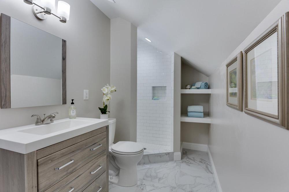 3722 Chesapeake St NW-large-012-68-Bathroom-1500x1000-72dpi