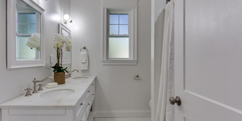 3722 Chesapeake St NW-large-026-77-Bathroom-1500x1000-72dpi